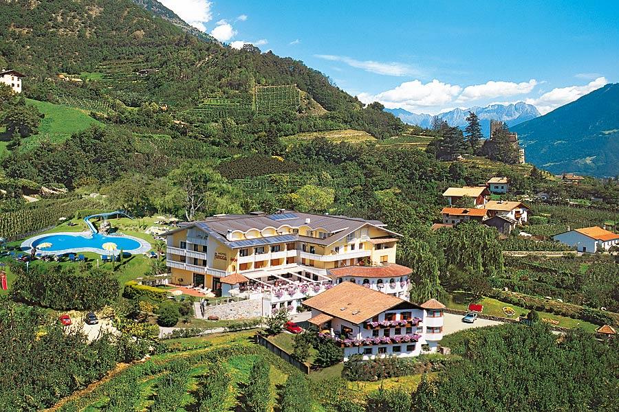 Urlaub im meraner land hotels in meran und umgebung for Design hotel meran und umgebung